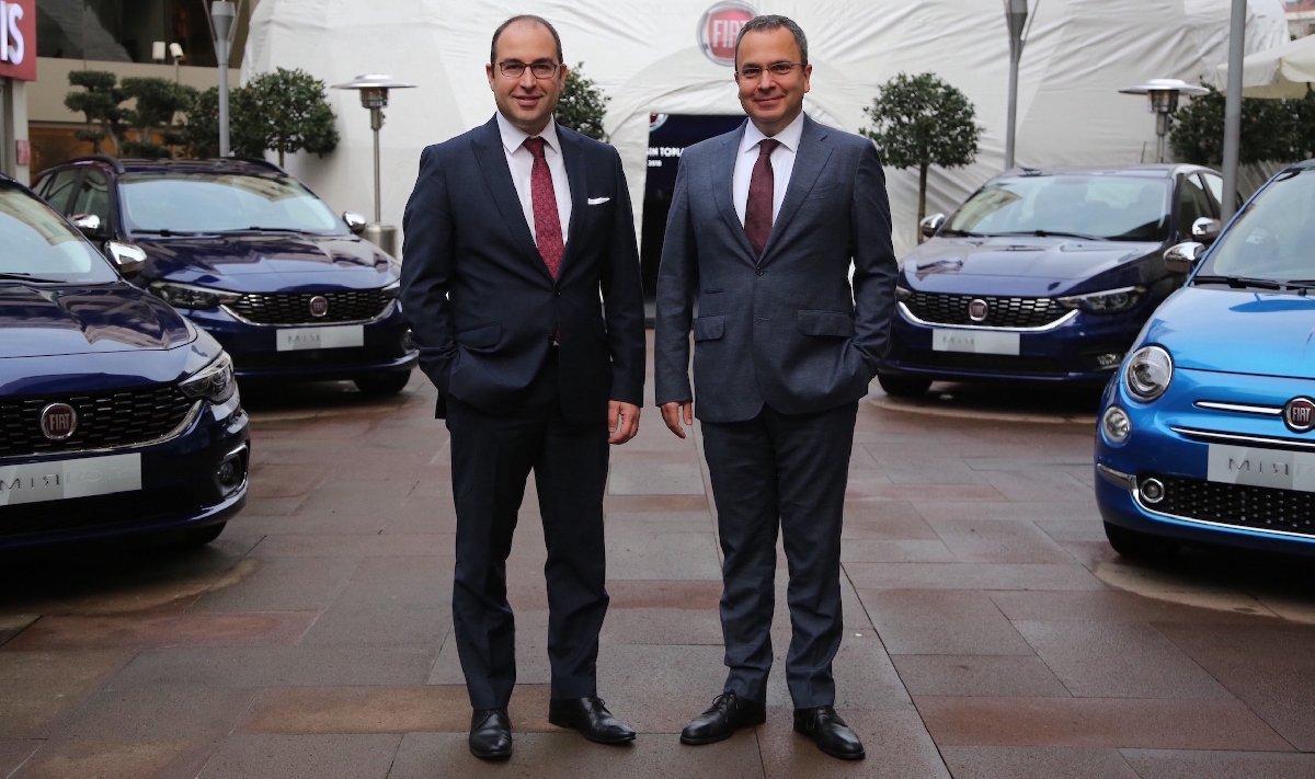 Fiat İş Birim Direktörü Altan Aytaç ve Fiat Türkiye Pazarlama Direktörü Özgür Süslü