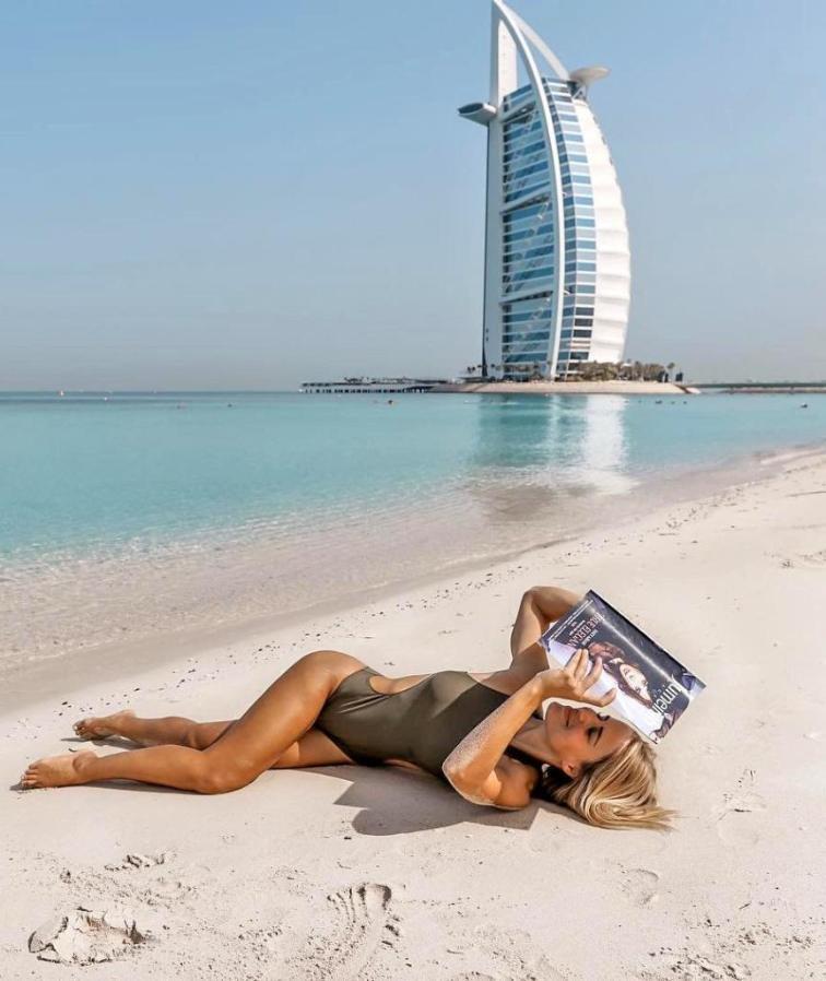 Polis memuru Dubai'de çektiği fotoğrafları paylaştı.