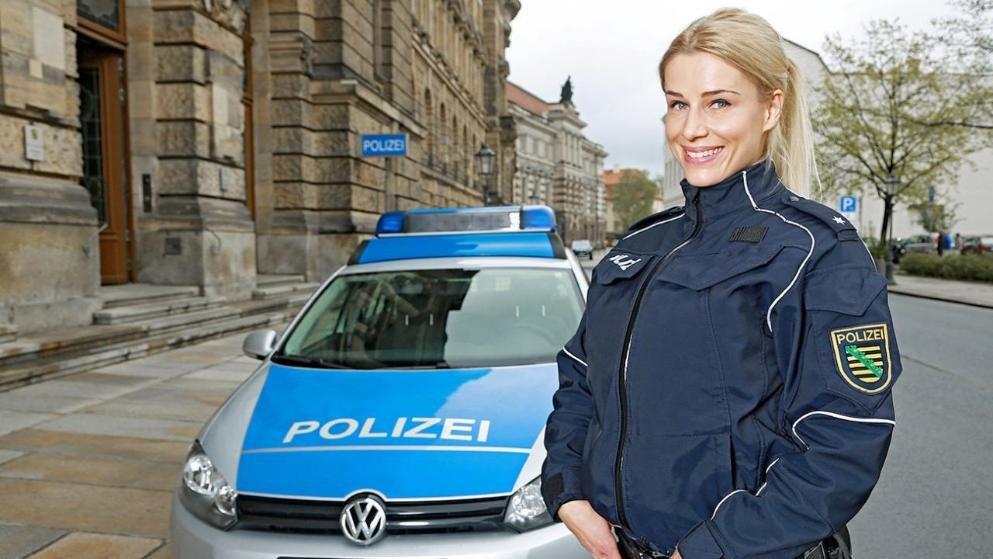 """Dresden kentinde yaşayan genç fenomen, """"Ben polis olmaktan memnunum"""" dedi."""