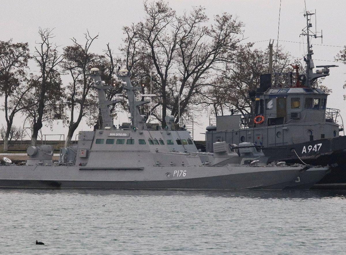 Reuters'ın görgü tanıklarına dayandırdığı haberde Rusya'nın el koyduğu Ukrayna gemilerinin hasarsız olduğu ifade edildi.