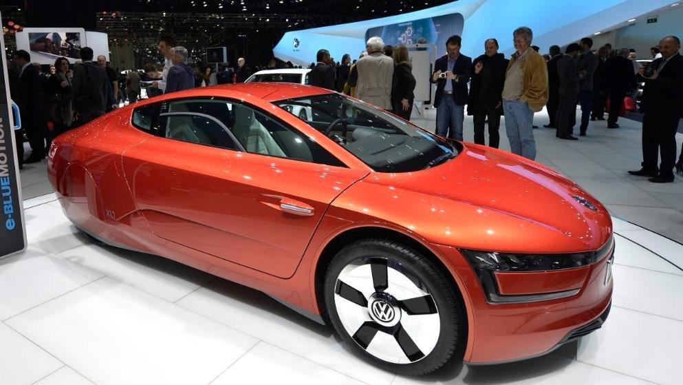 VW'nin ürettiğ ve bir litre mazot ile 100 kilometre giden 200 araçlık XL1 serisinde ayna yerine kameralar kullanıldı.