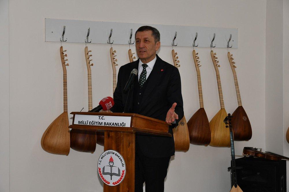 FOTO:AA - Törene Milli Eğitim Bakanı Ziya Selçuk da katıldı.