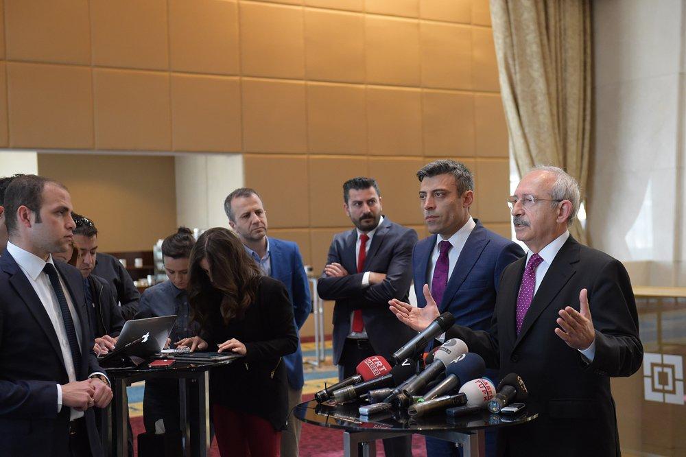 FOTO:CHP - Öztürk Yılmaz, bizzat Kılıçdaroğlu tarafından partiye kabul edilmiş ve MYK'ya alınmıştı.