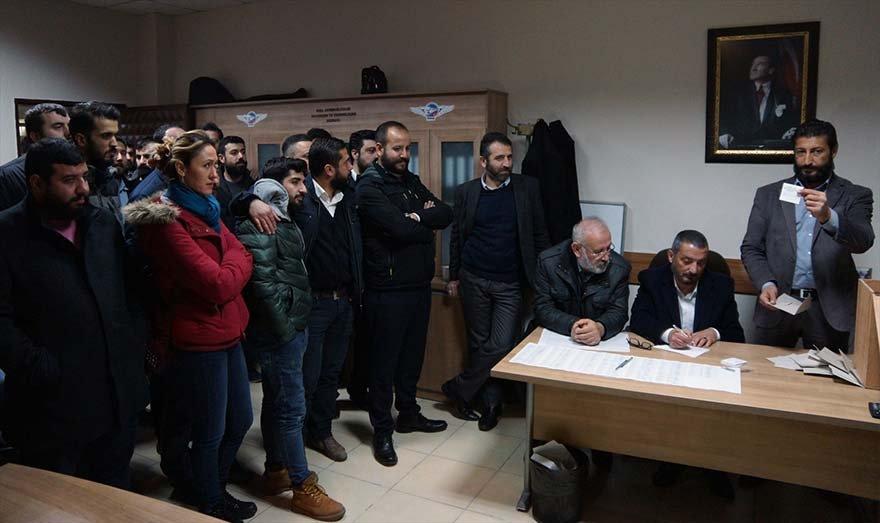 FOTO: AA - İZBAN'da grev kararı