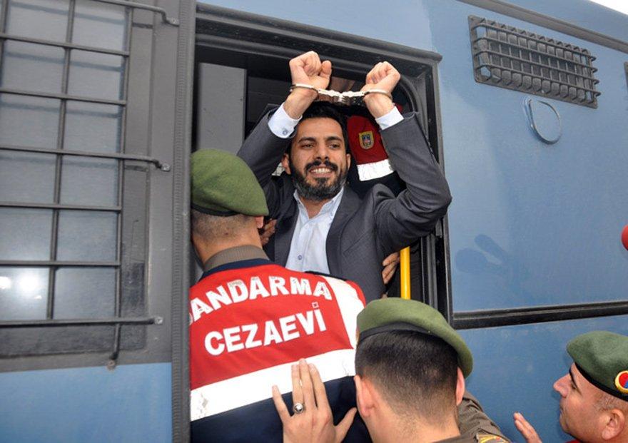 Mehmet Baransu tutuklu yargılanıyor.
