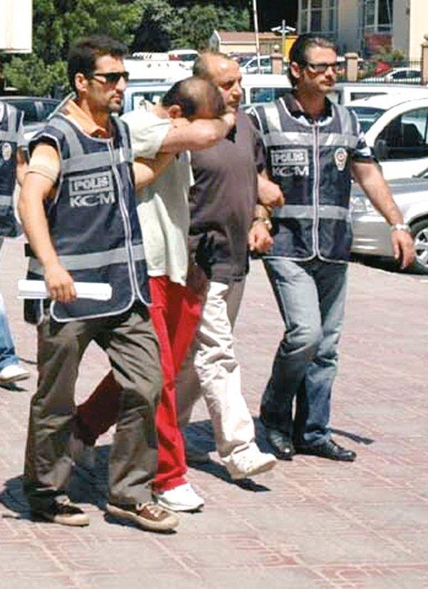 9 YIL ÖNCE TUTUKLANMIŞTI İslam Yakut, 2009 yılında İstanbul'da lüks bir otelde polis tarafından gözaltına alınmış ve tutuklanmıştı.