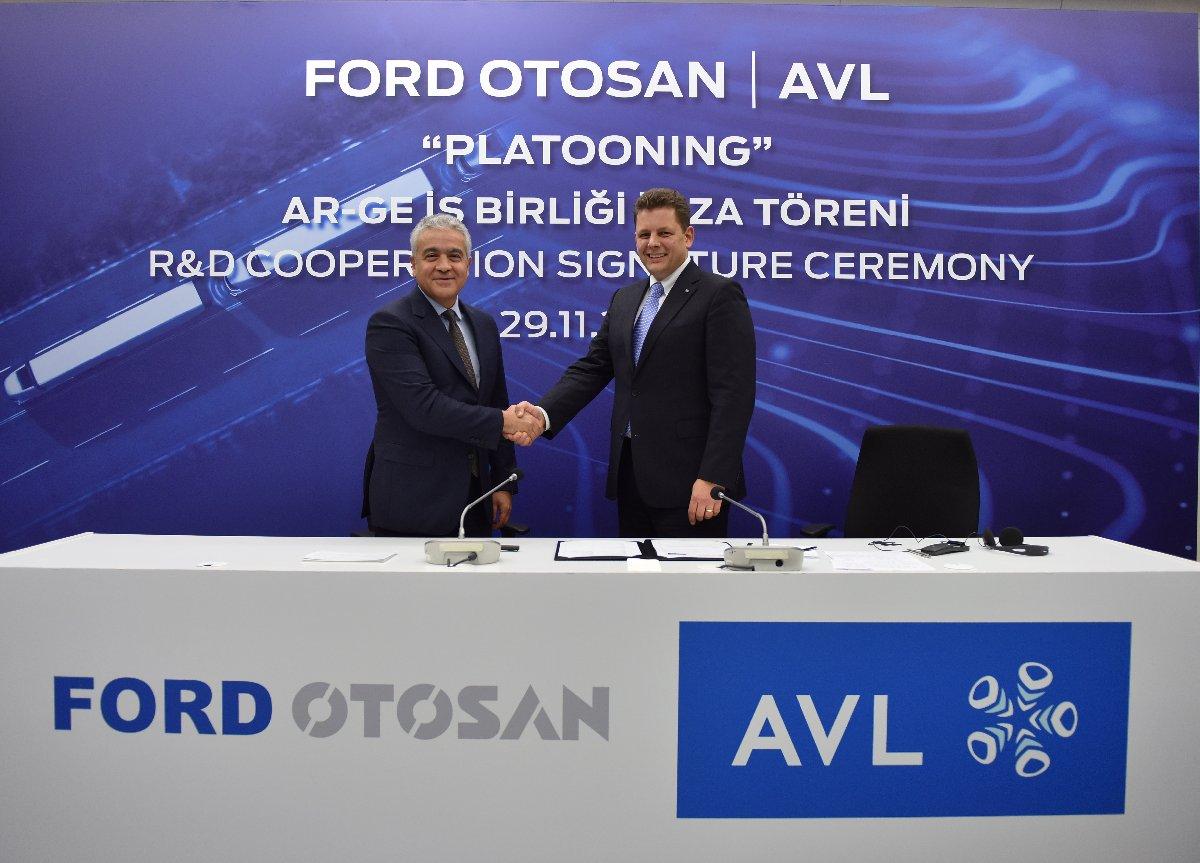 Ford Otosan Genel Müdür Yardımcısı Burak Gökçelik ve AVL Başkan Yardımcısı Lukas Walter