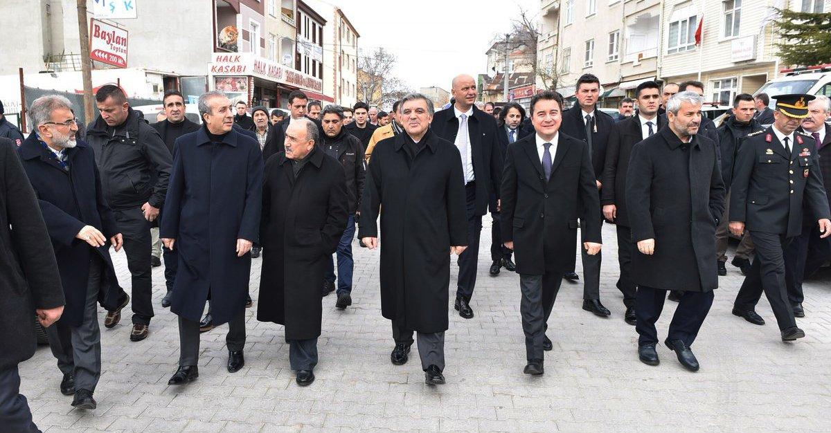 FOTO:SÖZCÜ - Karaman'daki cenazeye Abdullah Gül'ün yanı sıra AKP'nin eski ve yeni kurmayları da katıldı.
