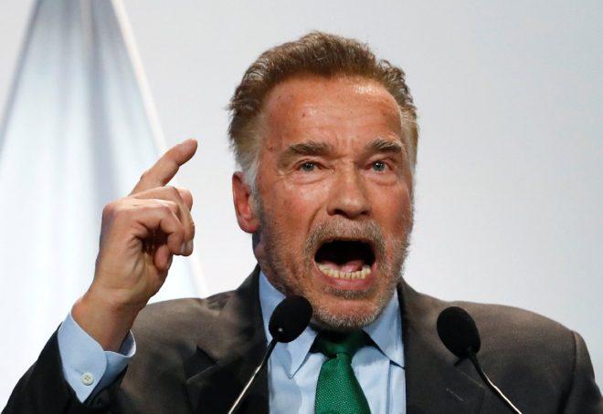 Aktör ve eski California valisi Arnold Schwarzenegger de konferansta yer alan isimlerdendi.