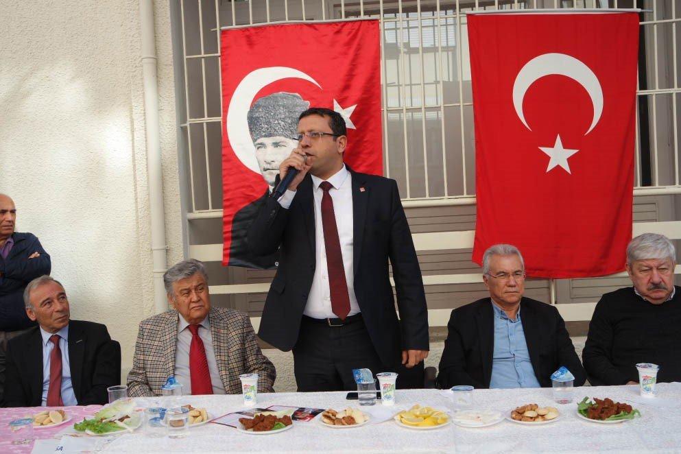 """FOTO:SÖZCÜ - CHP Antalya İl Başkanı Ahmet Kumbul, """"Antalya'da partimizin Büyükşehir Belediye Başkan adayı mutlaka olacak, olmazsa olmaz"""" dedi."""