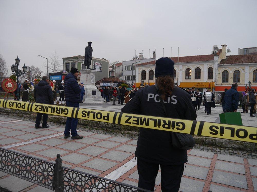 FOTO:SÖZCÜ - Edirne'deki tören güvenlik şeridi altında gerçekleştirildi.