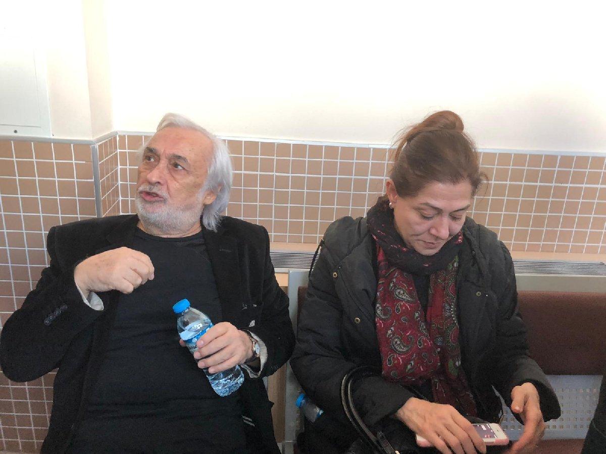 FOTO:SÖZCÜ - Müjdat Gezen'i eşi Leyla Turgut da yalnız bırakmadı.