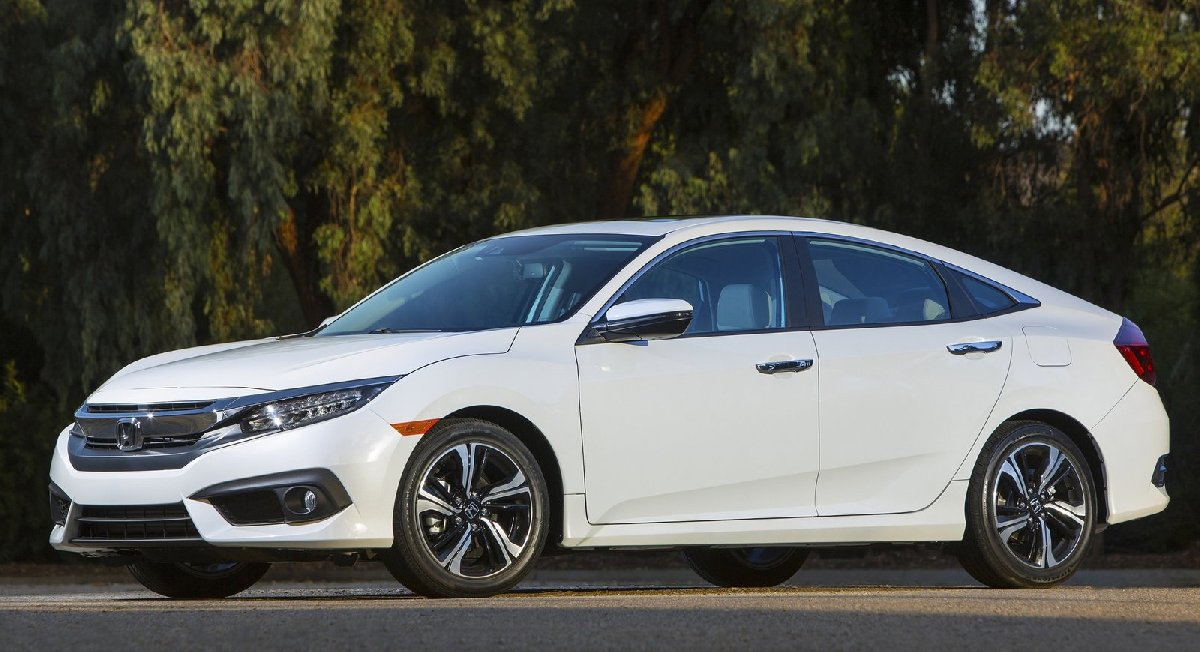 honda-civic_sedan-2016-1600-07-kopya