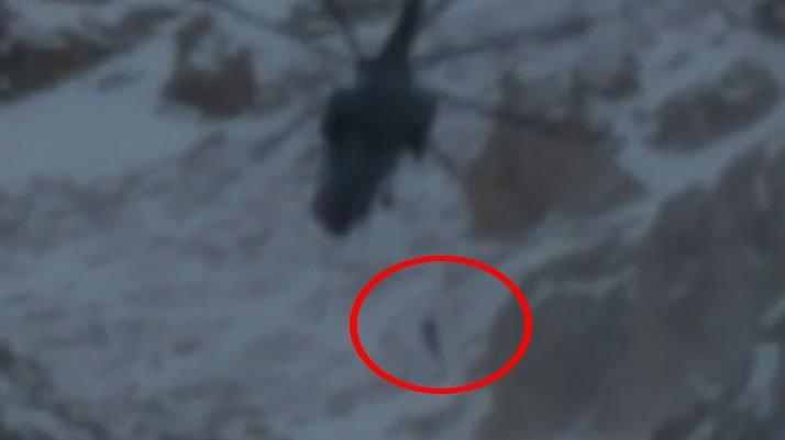 Çığ altında kalan bir dağcı kurtarıldı