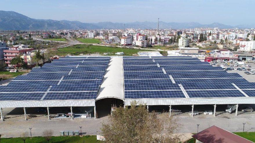 Altı pazaryeri üstü elektrik santrali