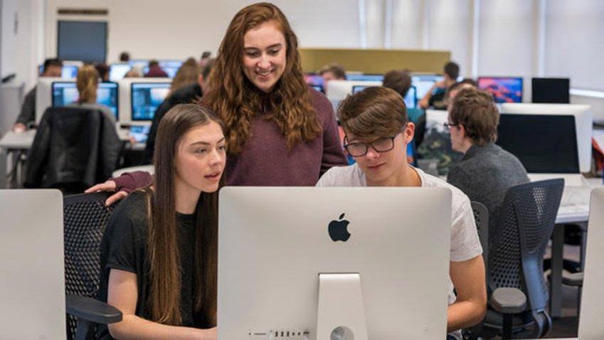 Apple'dan okullarda kodlama eğitimine destek