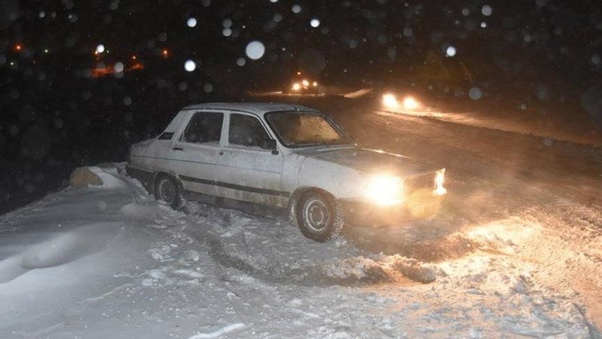 Son dakika haberleri | Sürücülere 'kar lastiği ve zincir olmadan yola çıkmayın' uyarısı