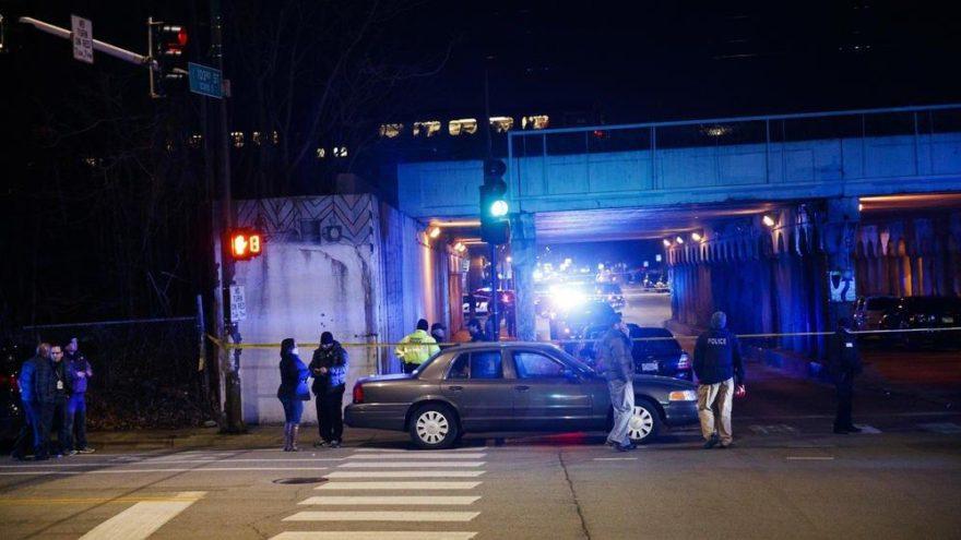 ABD'de akılalmaz kaza… Polislere tren çarptı