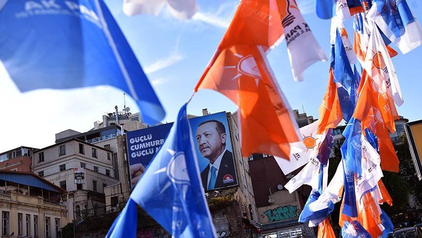 Bayrak şirketlerinin gözü kulağı siyasi partilerde