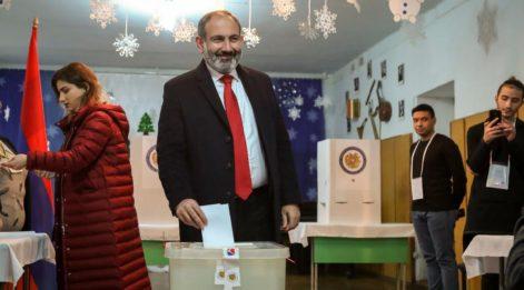 Türkiye dostu Paşinyan ezici bir üstünlükle sandıktan çıktı