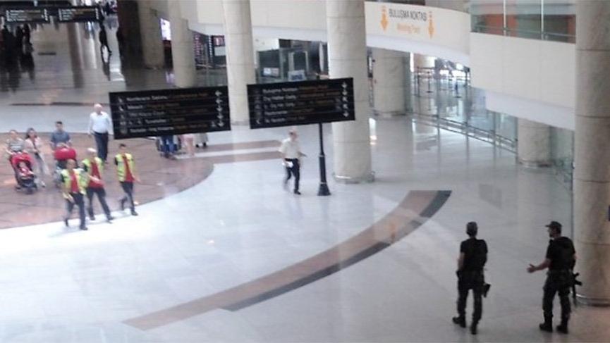 Endonezyalı diplomat havalimanında öldü!