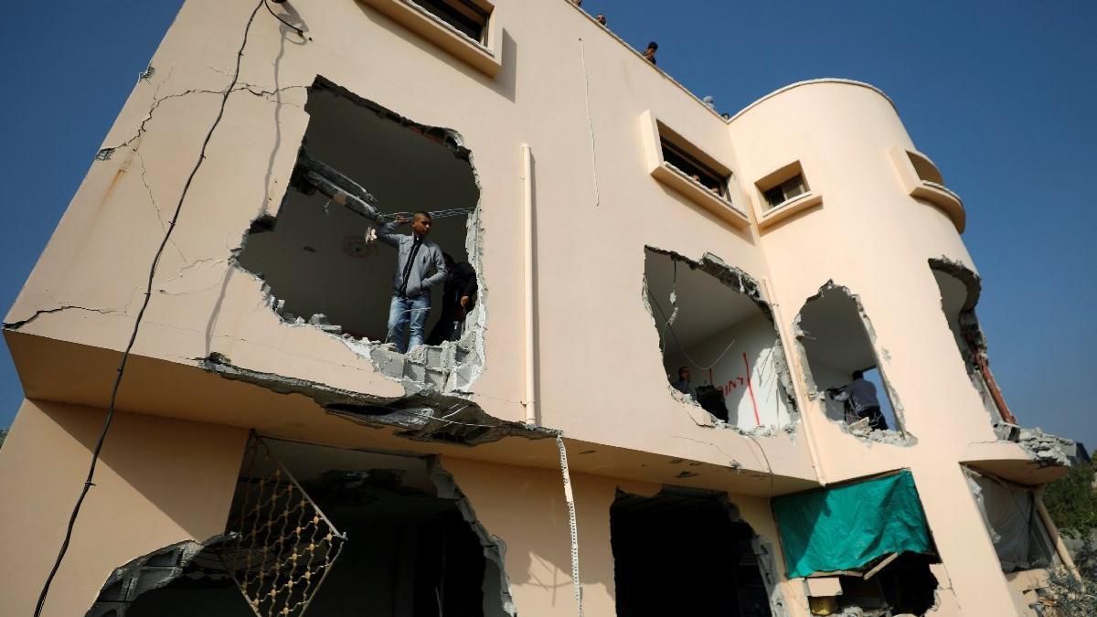 İsrail yine en iyi bildiği şeyi yaptı... Önce öldürdü sonra evini yıktı