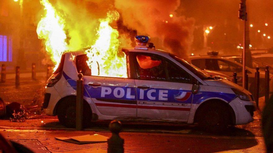Fransa'da dinmeyen öfke sonrası flaş hamle… Bugün partiler, yarın göstericiler