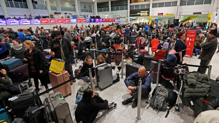 İngiltere'de drone terörü… Binlerce yolcu etkilendi!