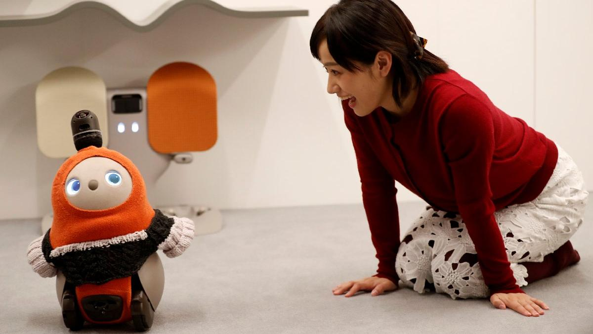 Herkesin gözü onun üstünde! Sevgi robotuna talep yağıyor