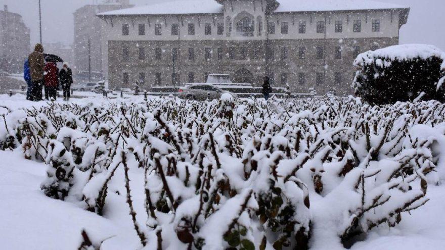 Sivas'ın o ilçelerinde okullar tatil! İşte kar tatili ilan edilen ilçeler…