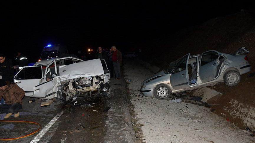 Burdur'da feci kaza! 2 ölü, 9 yaralı