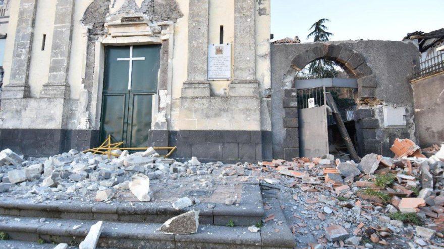 Etna Yanardağı harekete geçti, deprem oldu: Onlarca yaralı var