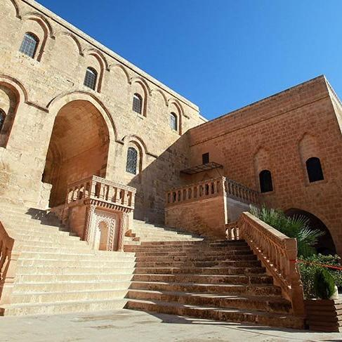 Mardin'deki 1500 yıllık Deyrulzaferan Manastırı
