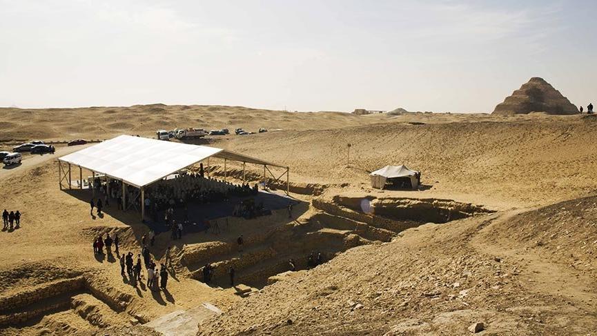 Mısır'da 4 bin yıllık mezar bulundu