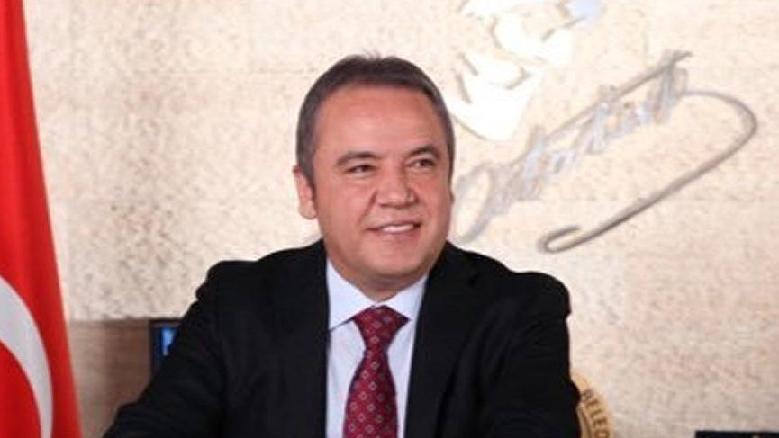 Muhittin Böcek kimdir, kaç yaşındadır? İşte CHP'nin Antalya Belediye Başkan adayının hayat hikayesi…