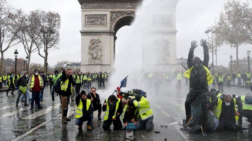 Sarı yelekliler protestolarında polise soruşturma! 48'den fazla dosya var