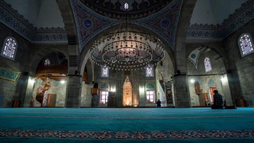 28 Aralık Bursa cuma namazı saati… Hangi ilde cuma namazı kaçta okunuyor?