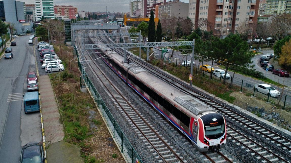 Banliyö treni 5 yıl sonra geri dönüyor: Test sürüşleri başladı