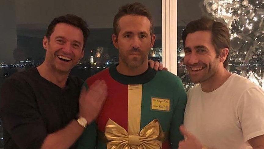 Ryan Reynolds 'çirkin kazak' kurbanı oldu