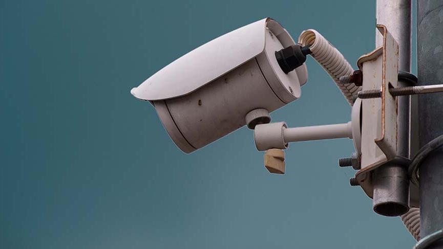 Gaspçı polisler kameraları hesap etmediler!