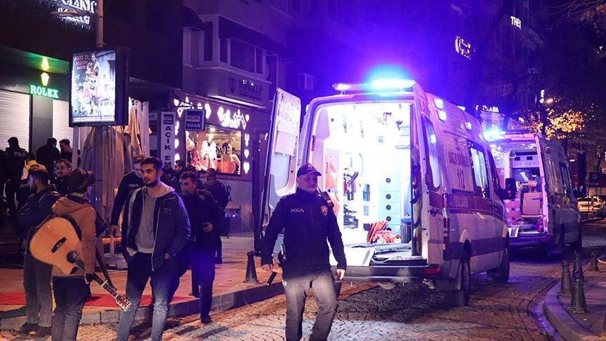 İstanbul'da silahlı kavga: Cadde trafiğe kapatıldı! Bir kişi yaralı
