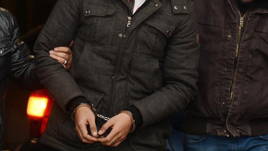 Cumhurbaşkanı'na hakaret eden beş kişi tutuklandı