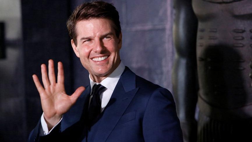 Tom Cruise ile sevgili olmak için sıraya girmeniz gerekiyor