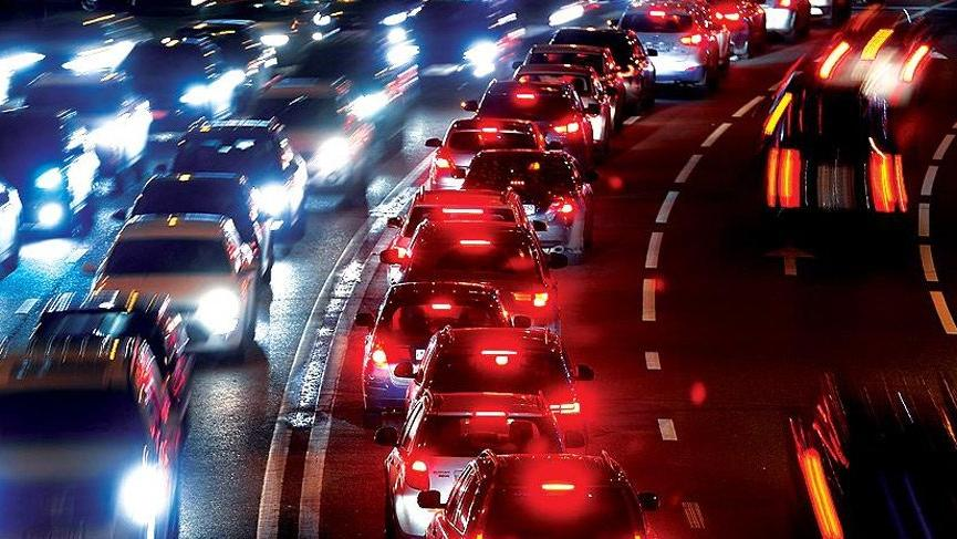 TEM otoyolunun bazı bölgeleri 8 saatliğine trafiğe kapatıldı