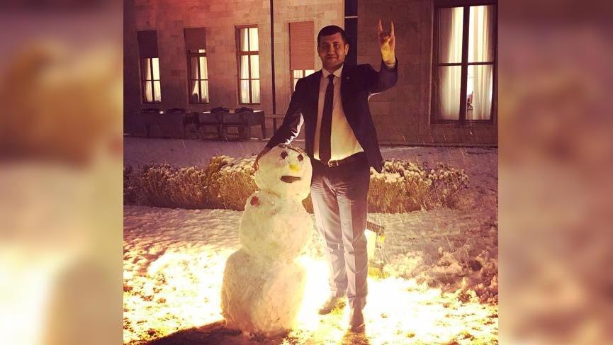 Meclis bahçesinde 'Ülkücü Kardan Adam'