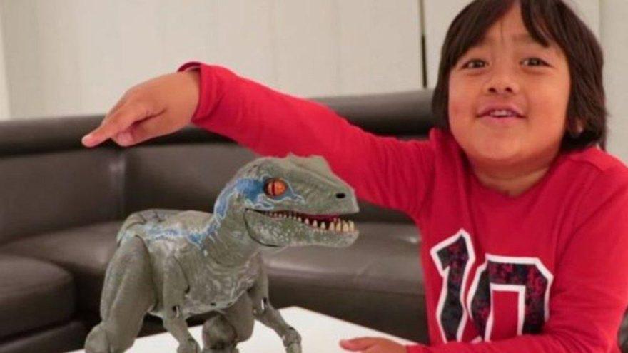 İşte Youtube'un en çok kazananı… 8 yaşında oyuncaklarıyla zengin oldu