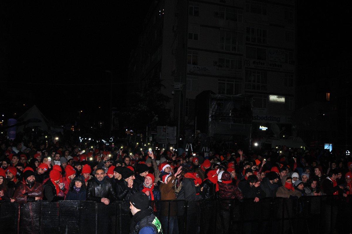 istanbul-kutlama-yilbasi-2019-depophotos_15257058