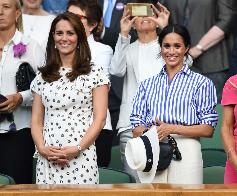 Kate Middleton ve Meghan Markle'ın yıldızı bir türlü barışmadı. Markle son olarak sarayı terketme kararı aldı...