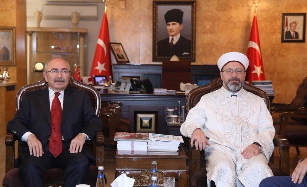 FOTO:İHA - Erbaş, Mardin'de Vali ve Büyükşehir Belediyesi Başkan Vekili Mustafa Yaman'ı da ziyaret etti.