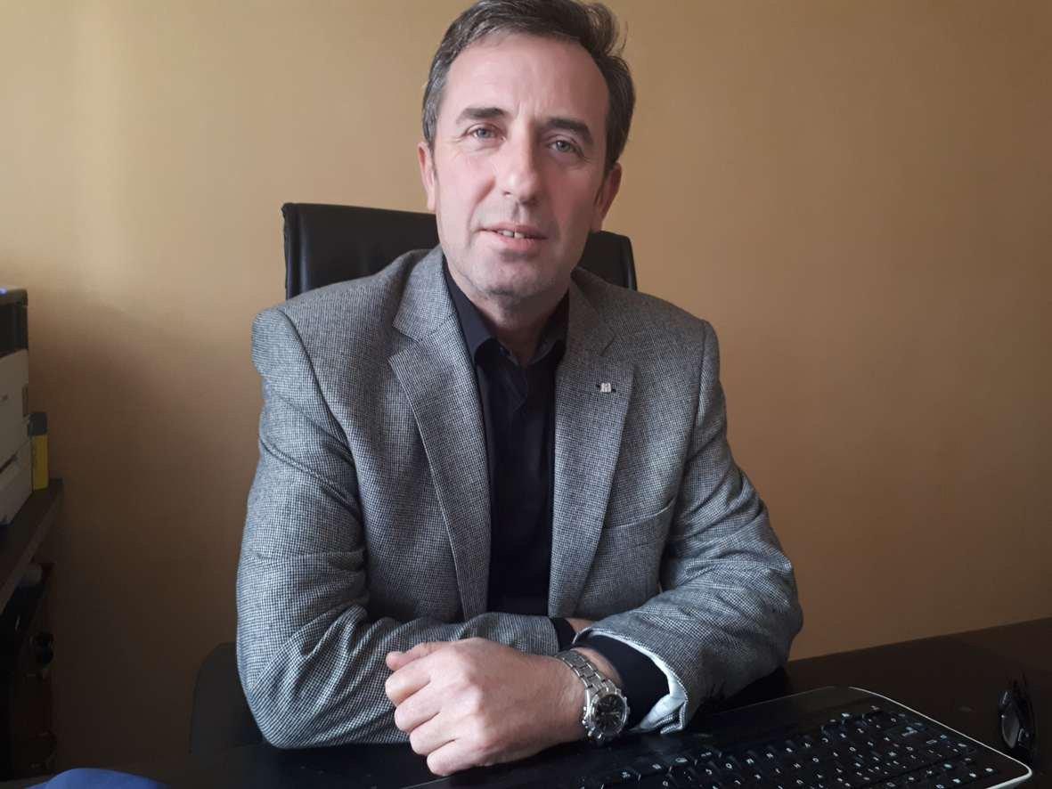 """Balıkesir İYİ Parti İl Başkanı Nedim Tuna """"Balıkesir'de kuduz aşısı kalmadı"""" dedi."""